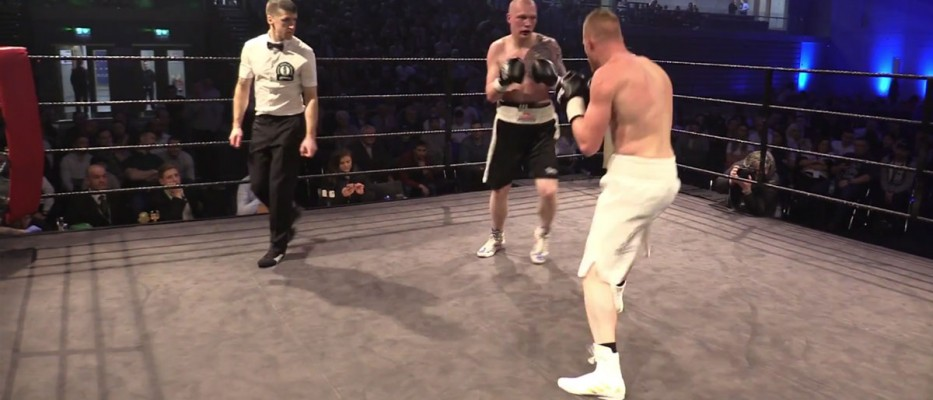 Watch: Barry Barnes vs Przemyslaw Binienda - Ring Kings